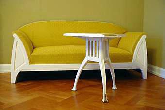 Jugendstil Sofa Und Tisch In Der Villa Esche